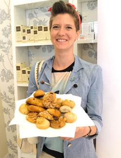 Joana Sandkühler, Preisträgerin 2016, für die Gründung ihrer Manufaktur von gluten- und laktosefreien Lebensmitteln. Allein das Gewinner-Logo des Hessischen Gründerpreises auf der Homepage ist wie ein Qualitätssiegel. Foto: Diether v. Goddenthow